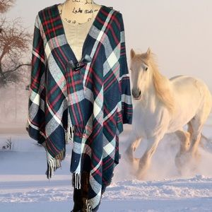 Rendezvous Sweaters - NWT- Plaid Horn Toggle Fringe Poncho